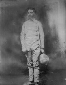 Maître Jean-Louis Lenes, fondateur du Cercle d'Escrime d'Arras